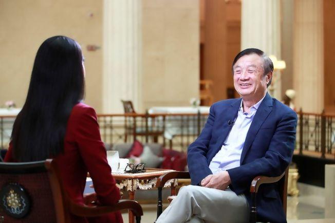華為公司的網站「華為心聲社區」3日發布華為創辦人任正非(右)日前接受CNN採訪。(取材自華為心聲社區網站)