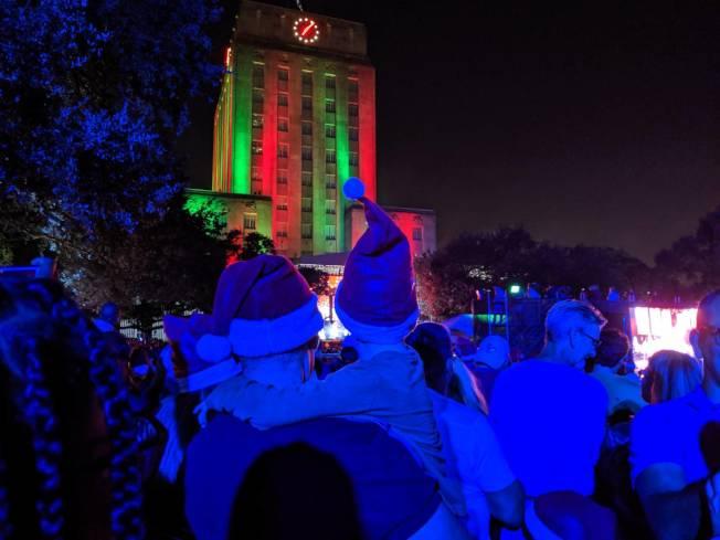 點燈活動每年在市政廳前Hermann廣場舉行。(記者蕭永群/攝影)