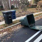家庭垃圾桶亂放人行道  蒙郡籲修法禁止