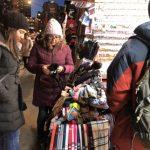 氣溫驟降 華埠小商家嘆提前入寒冬 遊客大減生意冷颼颼