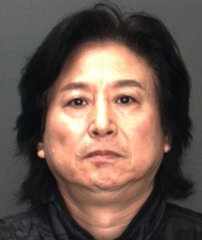 現年56歲的華裔畫家楊書泉,因涉嫌收藏兒童色情作品被捕。(聖伯納汀諾縣警局提供)