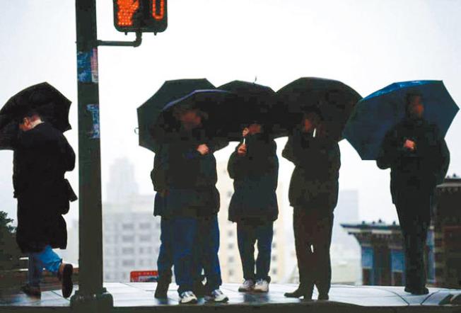 天氣預報顯示,灣區將有一股暴風雨來襲,周五下午和晚上將有大雨。(美聯社)