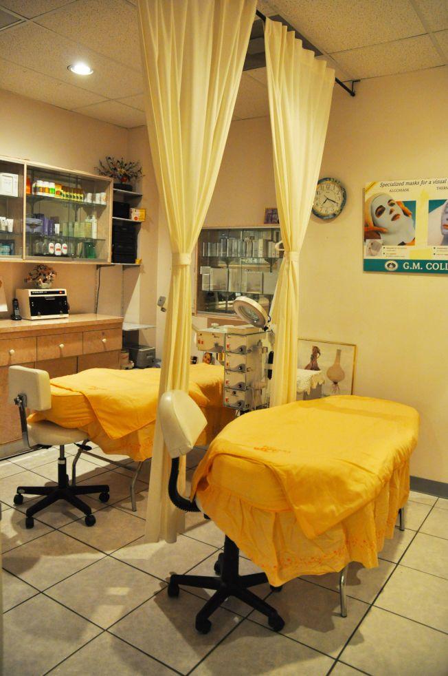 依妮髮型美容院美容房優雅舒適,讓您完全放鬆,享受悠閒舒泰。