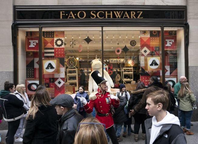 FAO Schwarz於2015年關閉了其在紐約第五大道上最知名的分店。(Getty Images)