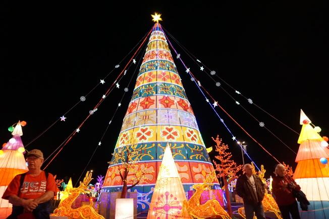 天下華燈嘉年華結合中國傳統彩燈藝術和當代藝術形式。(主辦方提供)