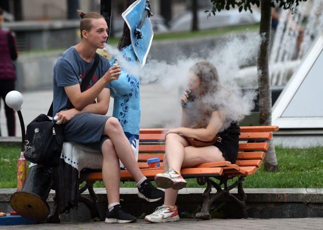 約1/3青少年吸菸草 CDC調查結果驚人