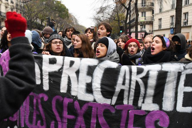 大批反對政府年金修改者,5日聚集在巴黎市中心的「民族廣場」示威。(Getty Images)