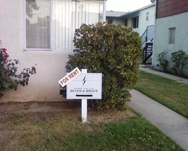 洛杉磯市為無家可歸的學生家庭提供住房補助券,可租房入室告別街頭。(記者丁曙/攝影)