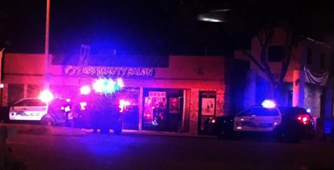 中餐館遇劫當晚,阿市警員在山谷大道與大西洋大道附近調查。(讀者提供)