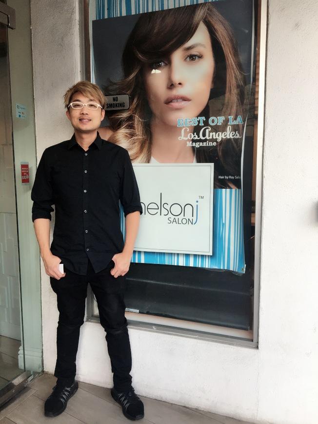 Los Angeles Magazine評選他的店為Best of LA最佳染髮沙龍。(記者張宏/攝影)
