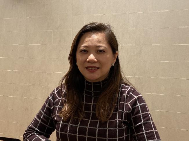 約巴林達華裔市議員黃瑞雅(Peggy Huang)談加州住房危機。(記者謝雨珊/攝影)