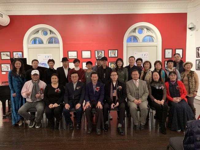 美國國際攝影師聯盟和美國川渝同鄉會在法拉盛文藝中心舉行第五屆國際攝影藝術展(記者賴蕙榆/攝影)