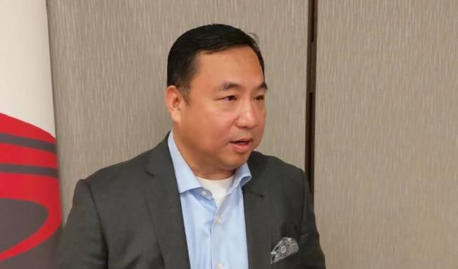 亞裔商會主席喻斌提到,華人「低調」是好事,但往往會錯失和主流接軌機會。(記者蕭永群/攝影)