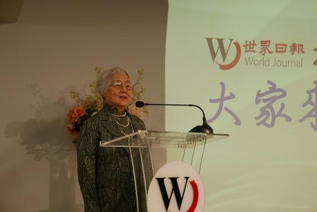 楊大忻稱自己的新書「浮生雜憶」是個人大事記。(記者李雪/攝影)