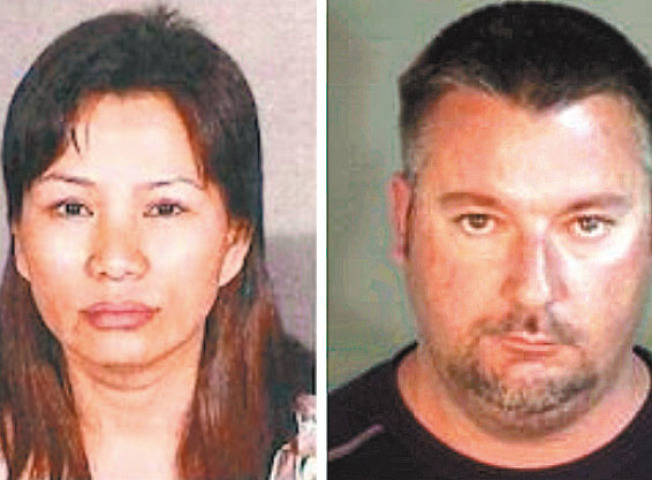 東灣利佛摩夫婦,50歲的華裔黃玲玲(左,音譯,Anna Lingling Huang),和50歲的瓊斯(右, Brian Scott Jones),4日因涉嫌配合賣淫、販賣人口和洗錢被抓獲。(警方供圖)