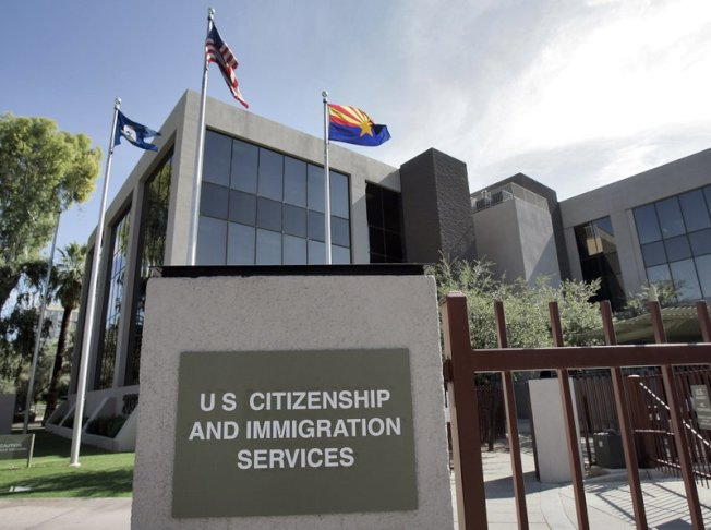 移民局宣布明年3月起實施H-1B簽證申請新規定。(美聯社)