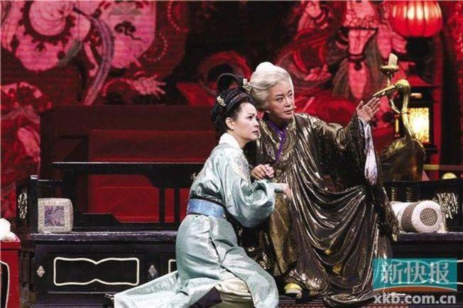 劉曉慶在《我就是演員之巔峰對決》再扮武則天。(取材自新快報)