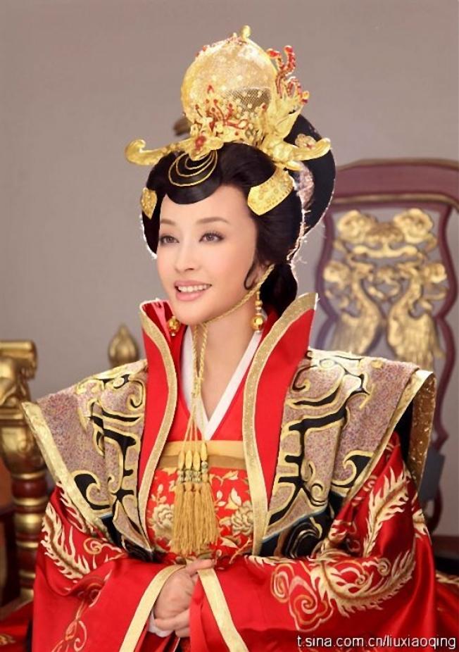 劉曉慶扮演中年版的武則天。 (取材自百度)