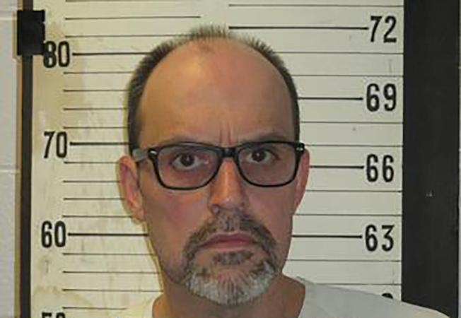 田納西州失明男子霍爾因情變殺害女友後被判死刑,5日接受電椅行刑。(美聯社)