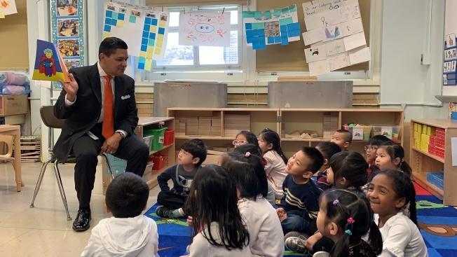 紐約市教育局預計會將雙語教學推廣到三歲學前班。(本報檔案照)