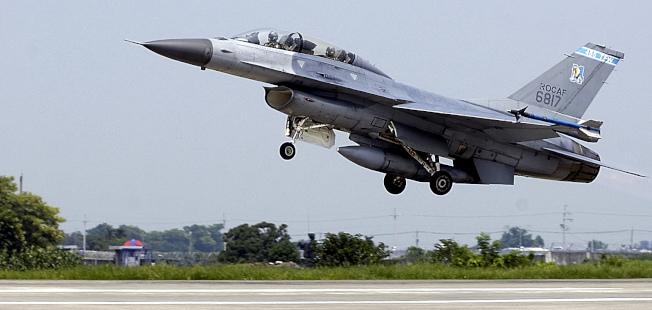 國防部官員證實,日前已與美方完成「F-16型機後續訓練案」合約簽署。(本報資料照片)