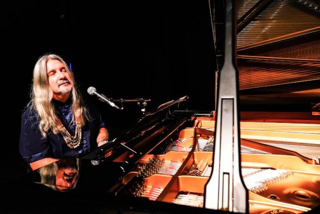 國際環保音樂家馬修連恩日前於苗北藝文中心舉辦音樂會與簽名活動。(圖:新視紀整合行銷提供)