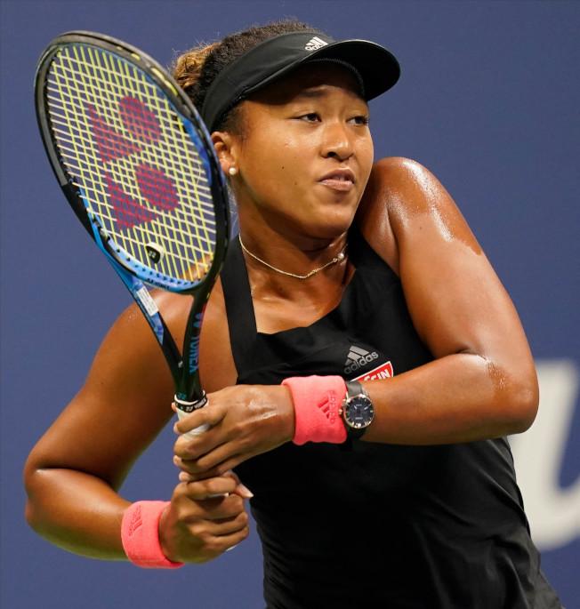 日本網球名將大阪直美去年在美國公開賽對戰美國網球名將小威廉絲,最後獲勝。(美聯社)