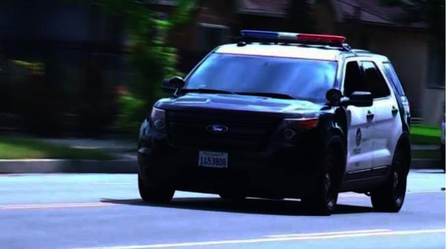 洛杉磯市發生開車掃射,警方呼籲提供線索。(圖:NBC)