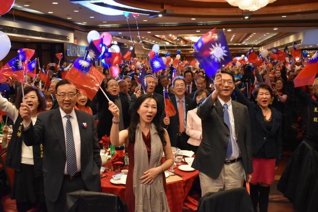 會上千名參加者為韓國瑜競選造勢。(記者顏嘉瑩/攝影)