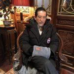 帥一輩子! 73歲秦漢靜靜坐著 鬍子白了還是帥