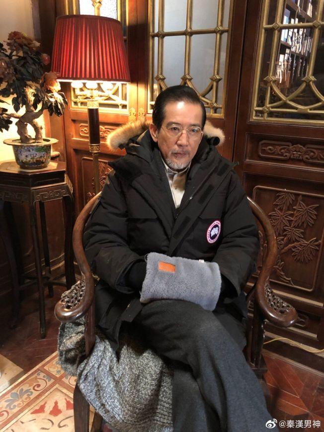 秦漢73歲帥氣依舊。(取材自微博)