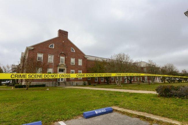 聯邦調查局公布的這幀發生疑似恐襲案的攻擊現場建築,更多有關案情的細節陸續流出。(Getty Images)