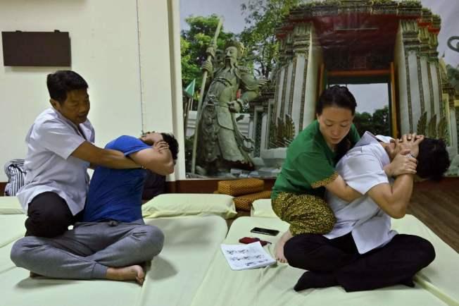 聯合國教科文組織(UNESCO)本周在哥倫比亞首都波哥大開會,可能將泰式按摩列入「無形文化遺產」。 (Getty Images)
