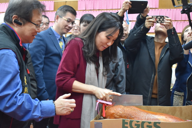 李佳芬在紐約李氏總分所參加祭祖儀式。(記者顏嘉瑩/攝影)