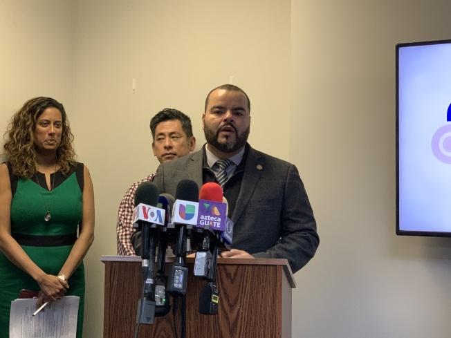 州眾議員克萊斯波表示,「綠燈紐約」法案是保護移民權益的里程碑,更能保證道路安全、提高就業、發展經濟,讓更多移民放心地送孩子上學和通勤。(記者和釗宇/攝影)