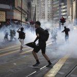 港警半年射1.6萬枚催淚彈 規模達「軍事級別」監警會:瘋了