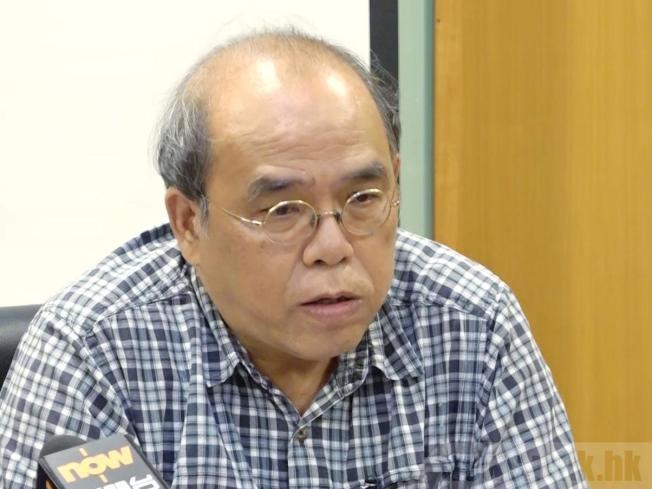 鍾劍華提醒,港府應利用抗爭稍趨和平的氣氛,盡快採取行動回應市民訴求。(取材自香港電台)