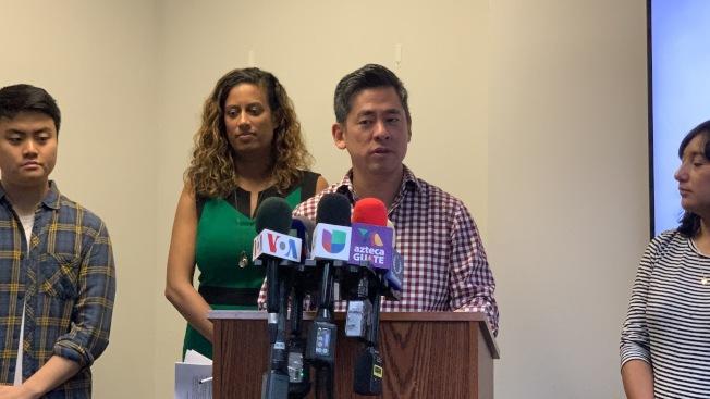 紐約移民聯盟執行總監崔慶漢表示,「綠燈紐約」法惠及約26萬5000人,為全州帶來數千萬元的經濟效益並減少無保司機的數量,確保道路安全。(記者和釗宇/攝影)