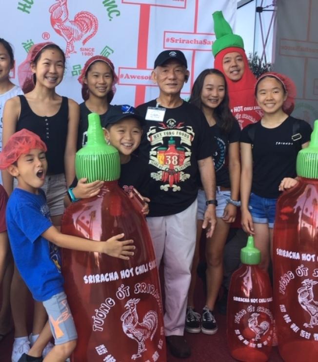 是拉差辣椒醬是由越華裔陳德生產的知名品牌。(本報檔案照)