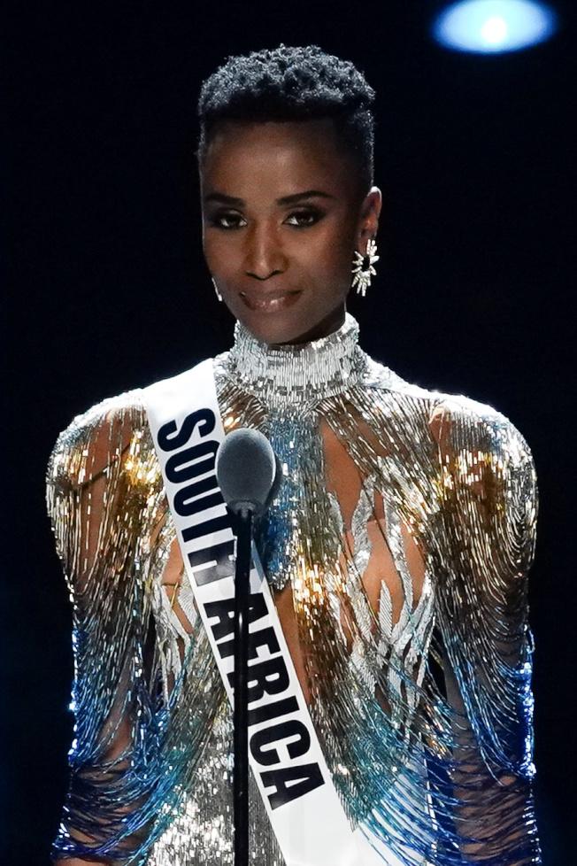 南非小姐唐吉打敗來自全球各地的90多名佳麗,9日在美國亞特蘭大獲封環球小姐。(路透)
