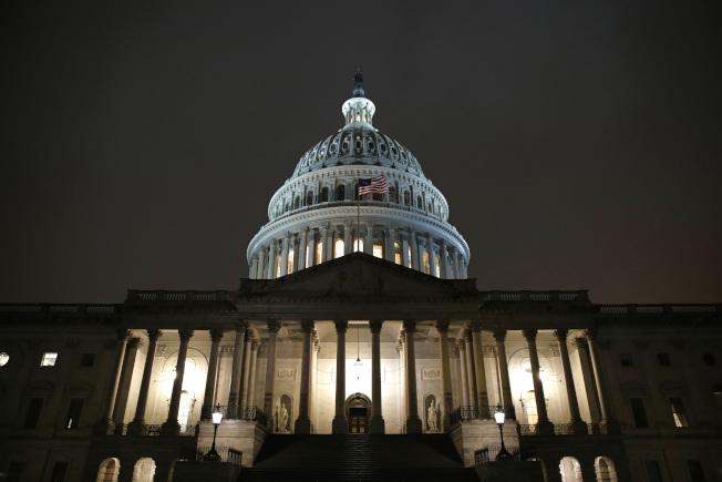 眾院司法委員會及情報委員員9日挑燈夜戰,準備彈劾川普總統的調查報告,希望本周能讓司委會成員表決。(美聯社)