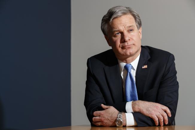 現任FBI局長雷伊9日為聯調局辯護。(美聯社)