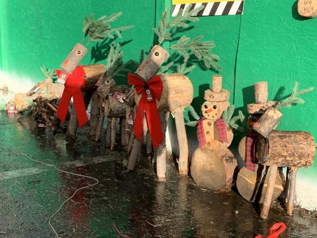 家得寶(Home Depot)耶誕節裝飾。(記者王子銘/攝影)