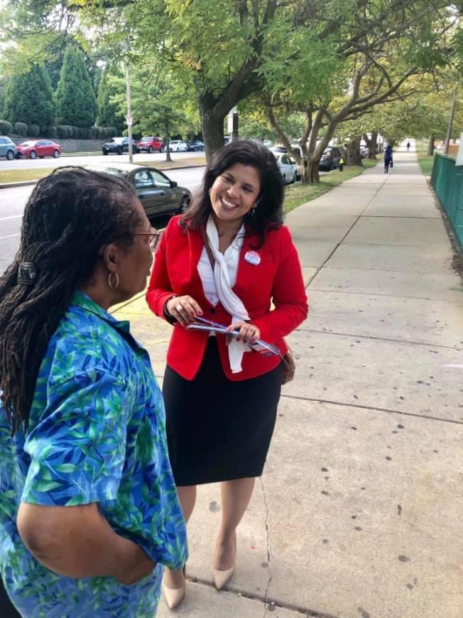 波士頓不分區市議員最後一個席位重新計票後僅1票之差。圖為候選人聖姬蘭。(取自聖姬蘭臉書)