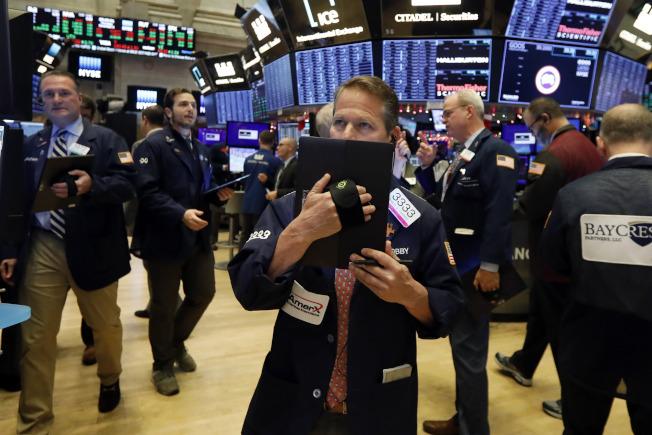 美中關稅最後期限迫在眉睫,股市陷入膠著。(美聯社)