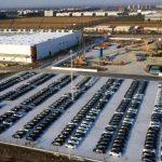 Model 3產量大增 特斯拉上海廠停滿新車