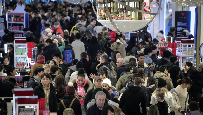 白宮若決定15日起對中國輸美商品加徵關稅,許多耶誕禮品將受衝擊。(美聯社)