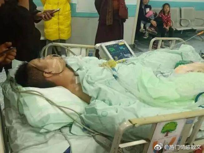 小龍仍在重症監護室。(取材自紅星新聞)