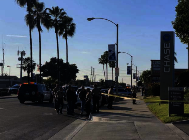 天普市Las Tunas大道與羅斯密大道交口的大通銀行(Chase Bank) 9日被搶,就在斜對面的洛縣警局天普分局員警,立刻趕到現場封鎖,並逮到搶匪。(本報檔案照)