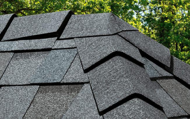瀝青瓦是在美國最為常見和受歡迎的材質。(取自HomeDepot官網)